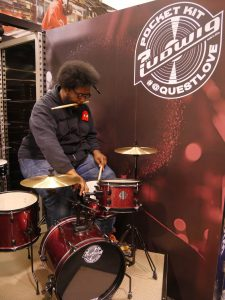 Questlove tuning © Cat with Hats