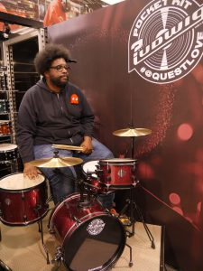 Questlove Waiting © Cat with Hats