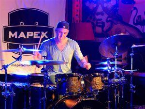 Matt Halpern performing © Cat with Hats